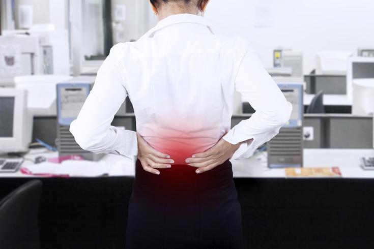 腰を寝違えてしまった時の原因と対処法1