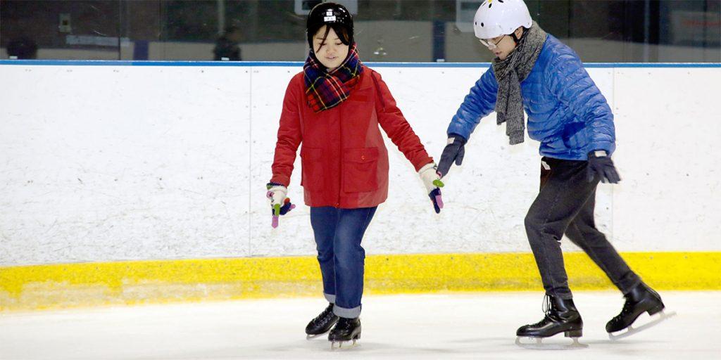 3619863cc6710 アイススケートの服装・格好と持ち物!注意点や暖かさ・安全性が大事 ...
